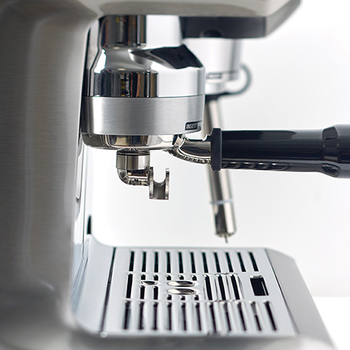 the Oracle® Touch Espresso en Acier inoxydable brossé pression optimale de l'eau